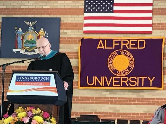 Alfred University - New York City graduates urged to 'work for the common good'