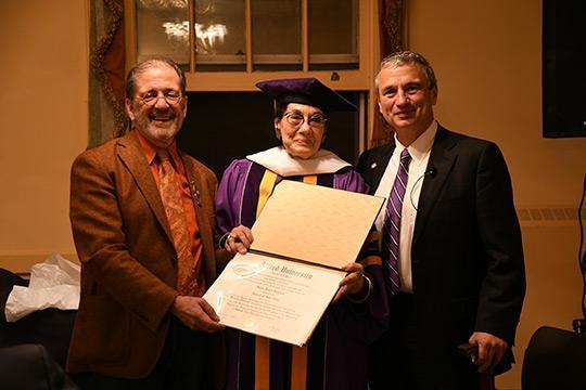 Helen Drutt English (center) with Wayne Higby (left) and Alfred University President Mark Zupan.